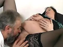 Older doctor licks pregnant cutie