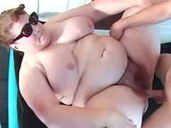 Pufgy lady fucks outdoor